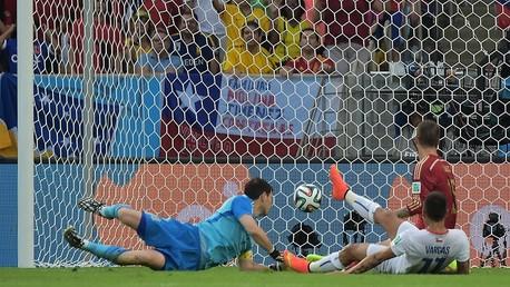 إسبانيا تفقد لقب بطلة العالم بعد هزيمة مذلة أمام تشيلي