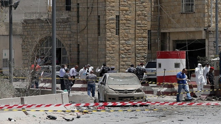 مقتل شخص بتفجير انتحاري قرب حاجز للأمن الداخلي في البقاع
