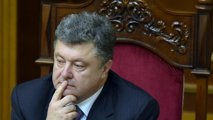 الرئيس الأوكراني يوقع مرسوماً لوقف إطلاق النار لمدة أسبوع