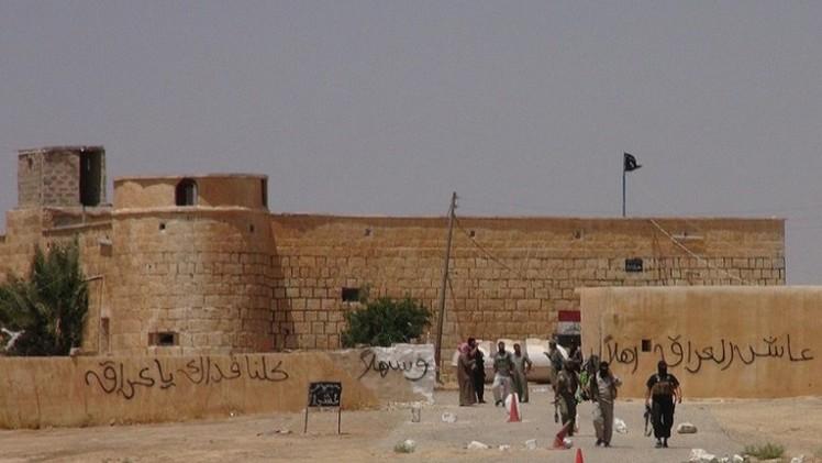 أنباء عن استيلاء مسلحين على معبر القائم العراقي قرب الحدود السورية