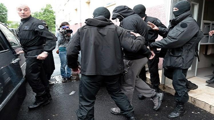 الحبس لفرنسيين يشتبه بانتمائهما إلى خلية جهادية تقاتل في سورية