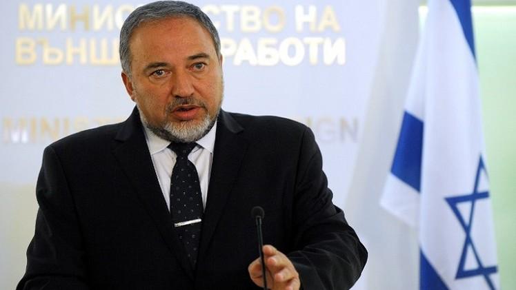 إسرائيل تهدد بطرد الموفد الأممي لعملية السلام