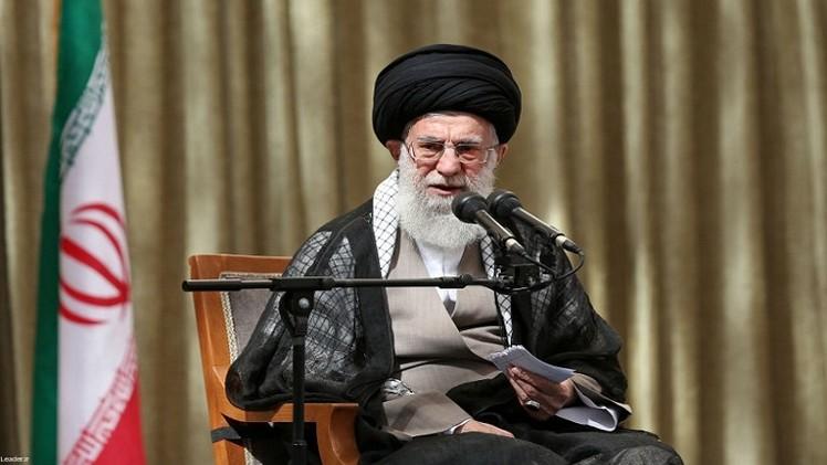 خامنئي: إيران تعارض أي تدخل أمريكي في العراق