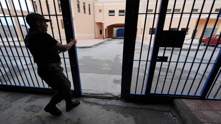 متهم جزائري بخطف أوروبيين يضرب عن الطعام للمطالبة بالعفو