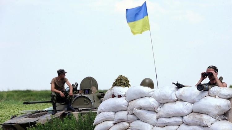 صحفيون روس يتعرضون لنيران قذائف الهاون في شرق أوكرانيا