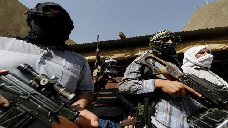 مسلحون يهاجمون قاعدة جوية في العراق بالتزامن مع وصول المستشارين العسكريين الأمريكيين