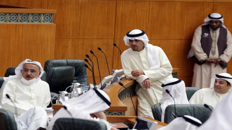 الكويتيون يعيدون انتخاب 10 في المئة من نواب البرلمان