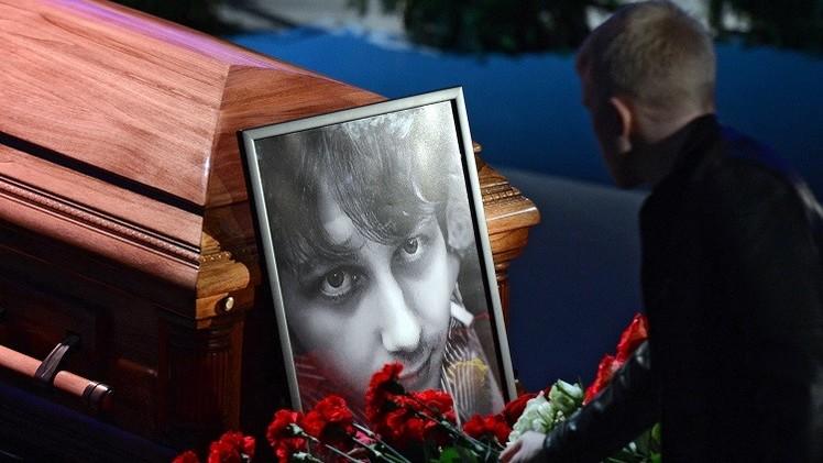 مراسم تشييع الصحفي الروسي انتون فولوشين الذي قتل في شرق أوكرانيا