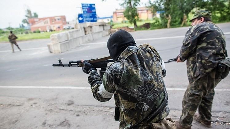 المواجهات في شرق أوكرانيا مستمرة رغم إعلان الهدنة