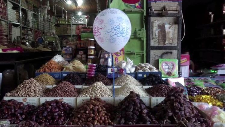 بالفيديو.. الأسواق الفلسطينية تستعد لاستقبال رمضان الكريم