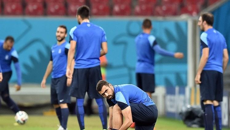 لاعبو اليونان يتبرعون بمكافأة مونديال البرازيل لتطوير الرياضة في بلدهم
