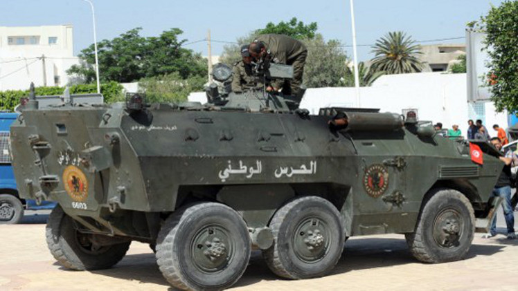 تونس: قصف تحصينات لمسلحين في جبل فرنانة