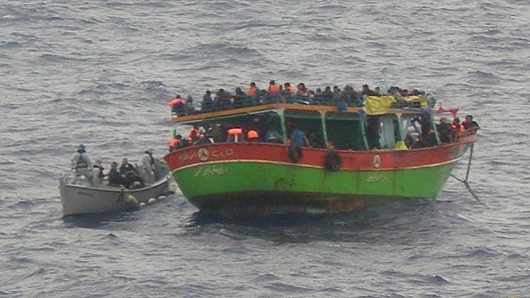 إيطاليا.. العثور على 30 جثة في مركب يقل حوالي 600 مهاجر غير شرعي