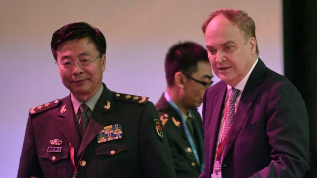 هيئة اركان الجيش الصيني تدعو إلى وقف العملية العسكرية ضد المدنيين في شرق أوكرانيا