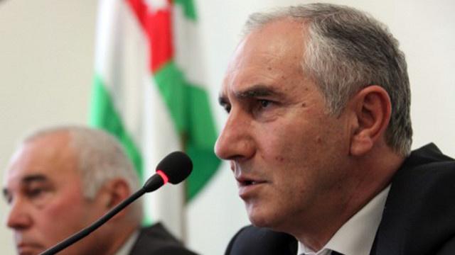 القائم بأعمال رئيس أبخازيا يعلن أن وزير المالية سيتولى مهام رئيس الوزراء