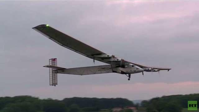 بالفيديو... مشروع سويسري لطائرة تستمد قدرتها من خلاياها الشمسية