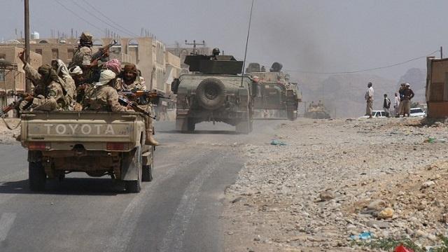 مقتل 25 شخصا في اشتباكات بين الحوثيين والجيش اليمني في عمران