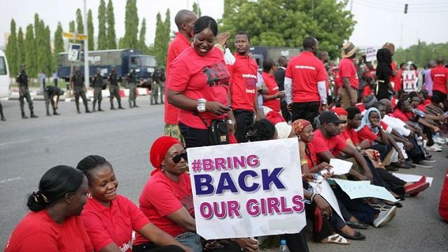 حظر المظاهرات المطالبة بإعادة المختطفات في نيجيريا