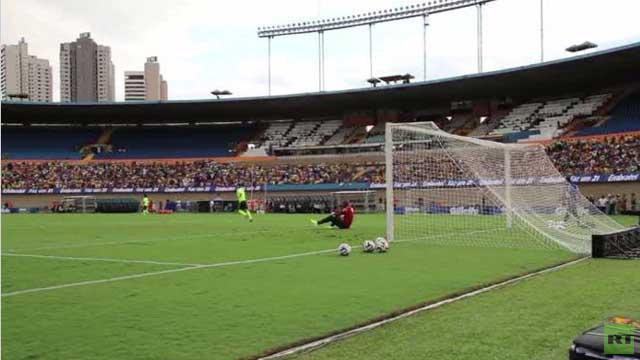 بالفيديو.. اللاعب البرازيلي نيمار يستعرض مهارته قبل بطولة العالم