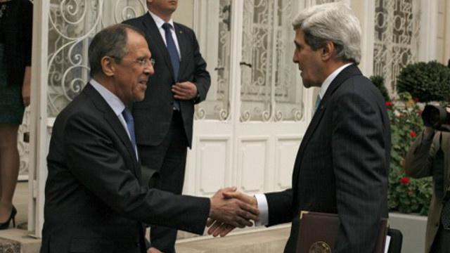 لافروف وكيري يبحثان الخميس في باريس الأزمتين الأوكرانية والسورية
