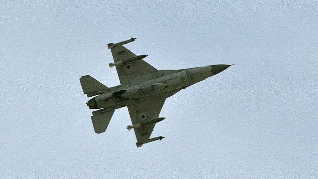 العراق يتسلّم أول مقاتلة من طراز إف - 16 من الولايات المتحدة