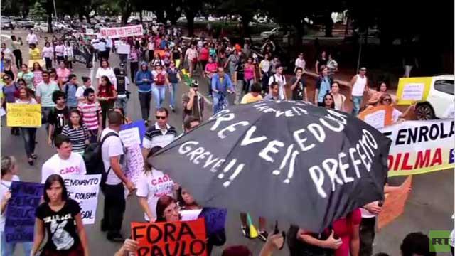 بالفيديو.. احتجاجات في البرازيل على بطولة العالم