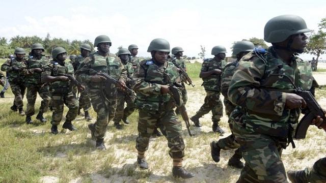 الجيش النيجيري ينفي محاكمة 10 من جنرالاته