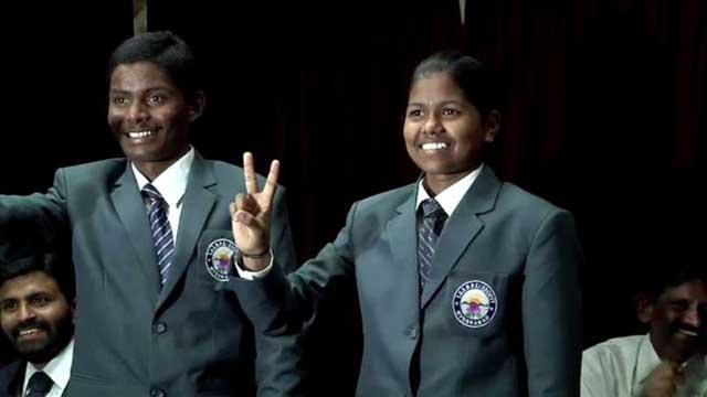 بالفيديو... فتاة هندية في 13 من عمرها تتسلق إلى قمة إفريست