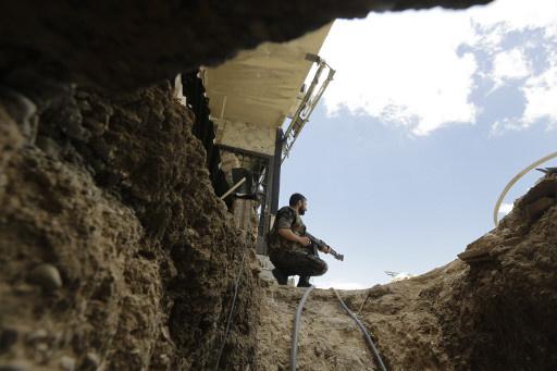 مراسلنا: الجيش السوري يحكم السيطرة على بلدة الثورة بريف دمشق