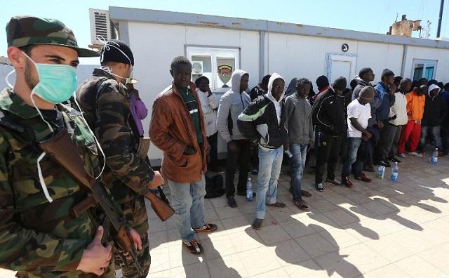 توقيف 300 مهاجر غير شرعي قبالة السواحل الليبية