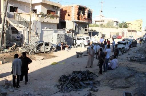 مقتل شخصين بقصف على بنغازي ونجاة مسؤول أمني من هجوم في طرابلس