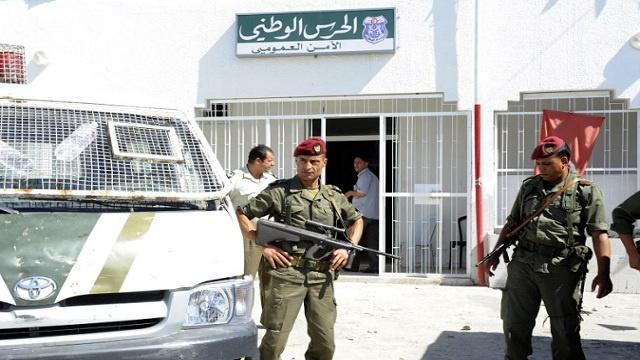 تونس: قصف جوي ومدفعي لمرتفعات على الحدود الجزائرية