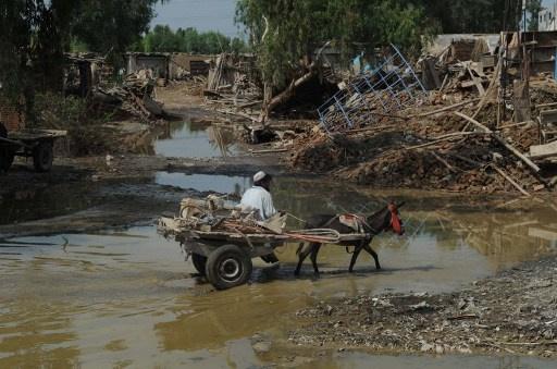 مصرع 50 شخصا وفقدان 100 آخرين بفيضانات في شمال افغانستان