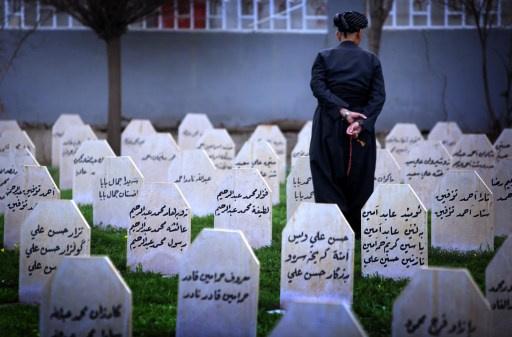 نقل رفات ضحايا الهجوم الكيميائي في حلبجة إلى بغداد لإجراء فحوصات
