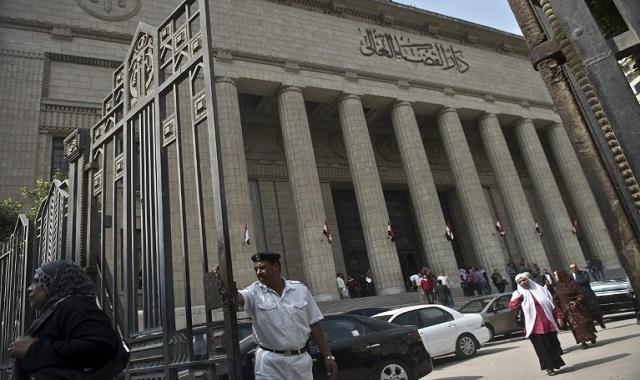 محكمة استئناف مصرية تلغي حكما بالسجن 10 سنوات على رجل أمن متهم بقتل 37 إسلاميا