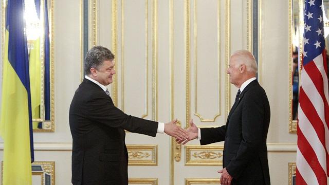 أكثر من 40% من الروس يعتقدون أن الرئيس الأوكراني الجديد يمثل مصالح الغرب