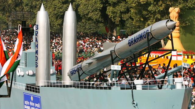 الهند تختبر صاروخا بحريا من طراز