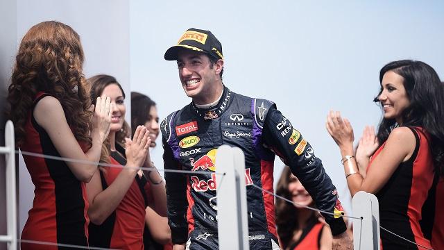 بالصور .. احتفال الأسترالي ريتشياردو بجائزة كندا الكبرى للفورمولا 1