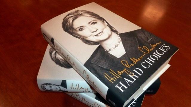 هيلاري كلينتون: التحقيقات بشأن هجوم بنغازي لن تمنعني من السعي إلى الرئاسة
