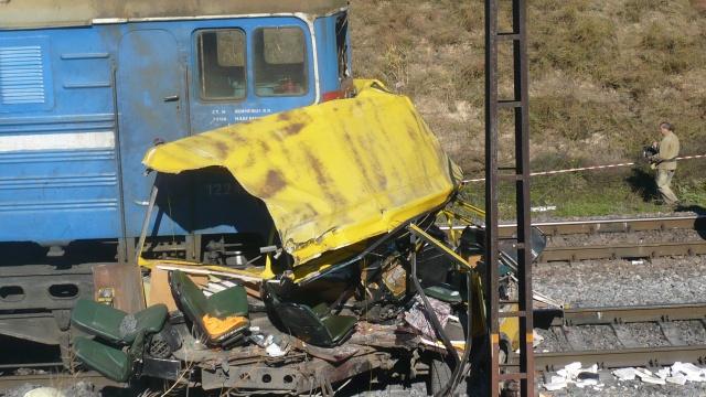 مقتل 5 أشخاص في تصادم حافلة بقطار في أقصى شرق روسيا