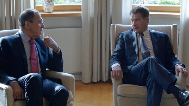 موسكو: روسيا وفنلندا تؤيدان وقف العنف في أوكرانيا بأسرع وقت ممكن
