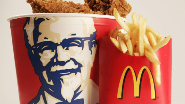 الاتحاد الأوروبي يطالب بوضع تحذيرات من المواد المسببة للحساسية داخل قوائم الطعام
