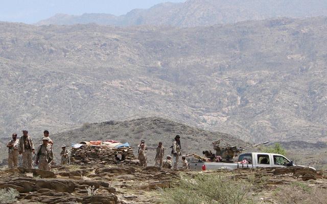 الطيران اليمني يقصف مواقع مسلحين مسؤولين عن تخريب شبكة الكهرباء