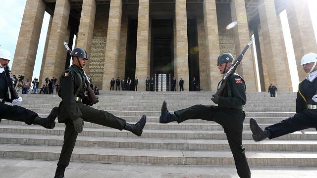 الناتو يعقد اجتماعا طارئا لبحث الأزمة العراقية بناء على طلب تركيا