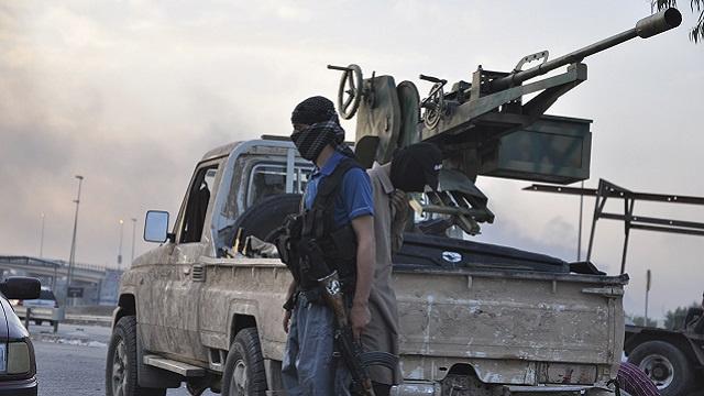 أ ف ب: مسلحون يسيطرون على حيّين شمال شرق بغداد