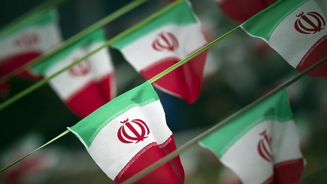 واشنطن: لا نتحدث مع الإيرانيين حول العراق
