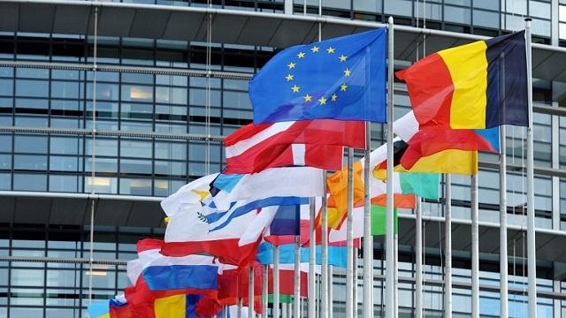 الاتحاد الأوروبي يسلم أوكرانيا منحة بقيمة 250 مليون يورو