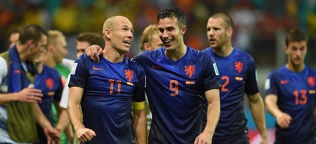 هولندا تضرب الماتادور بقوة وتسحقه 5-1 في مباراة رد ثأر