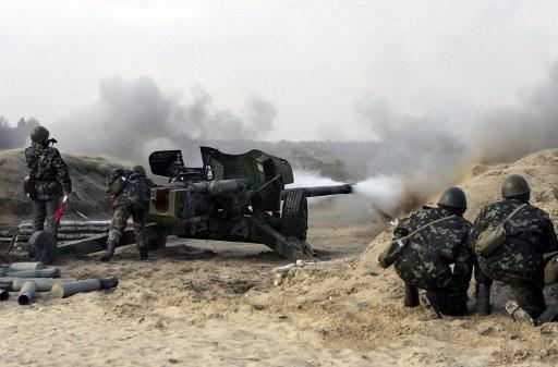 المدفعية الأوكرانية تقصف أطراف لوغانسك ومقتل 3 جنود أوكرانيين في ماريوبل