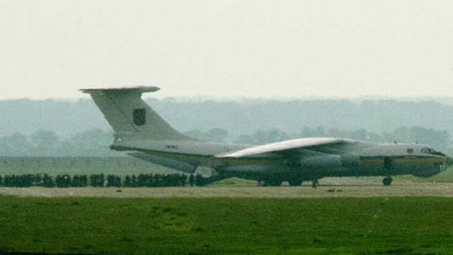 كييف تؤكد إسقاط طائرة النقل العسكرية وأنباء غير مؤكدة عن إسقاط مقاتلة في شرق أوكرانيا (فيديو)